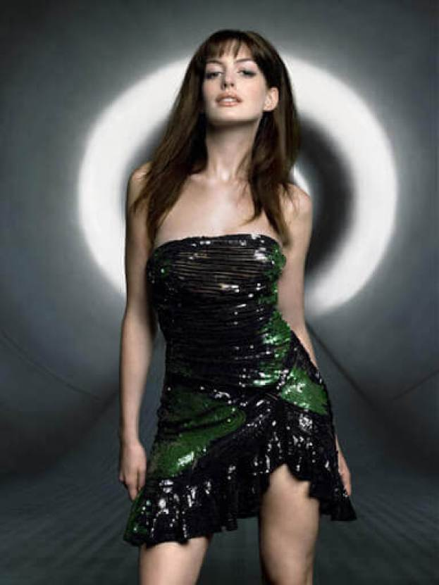 Anne Hathaway hot photo