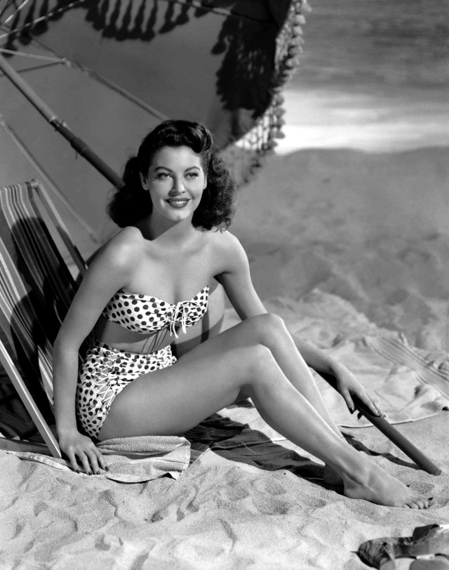 Ava Gardner sexy pictures
