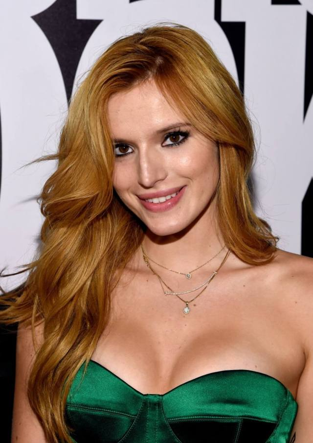 Bella Thorne sexy boobs pics