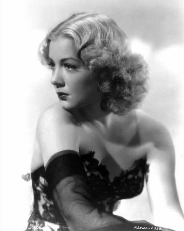 Betty Hutton sexy busty picture