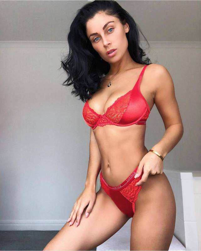 Cally Jane sexy red bikini pictures (3)