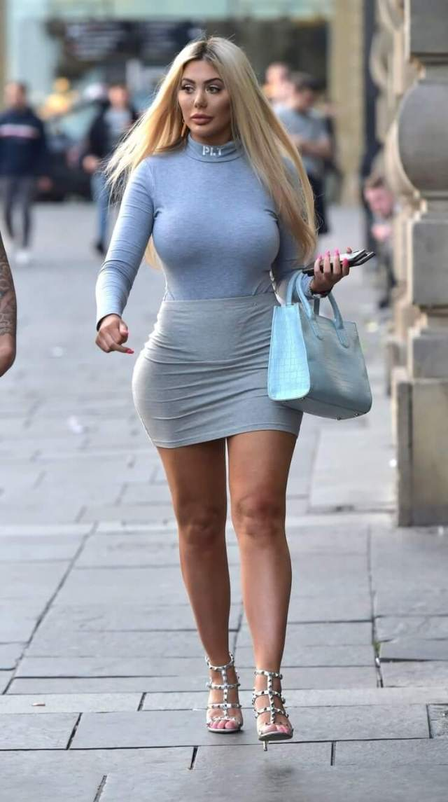 Chloe Ferry sexy legs pictures (2)