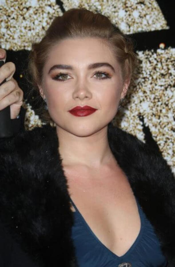 Florence Pugh hot cleavage pics