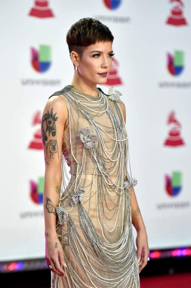 Halsey sexy pictures (2)