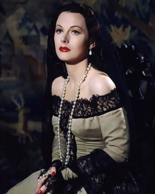Hedy Lamarr hot cleavage pictures (2)