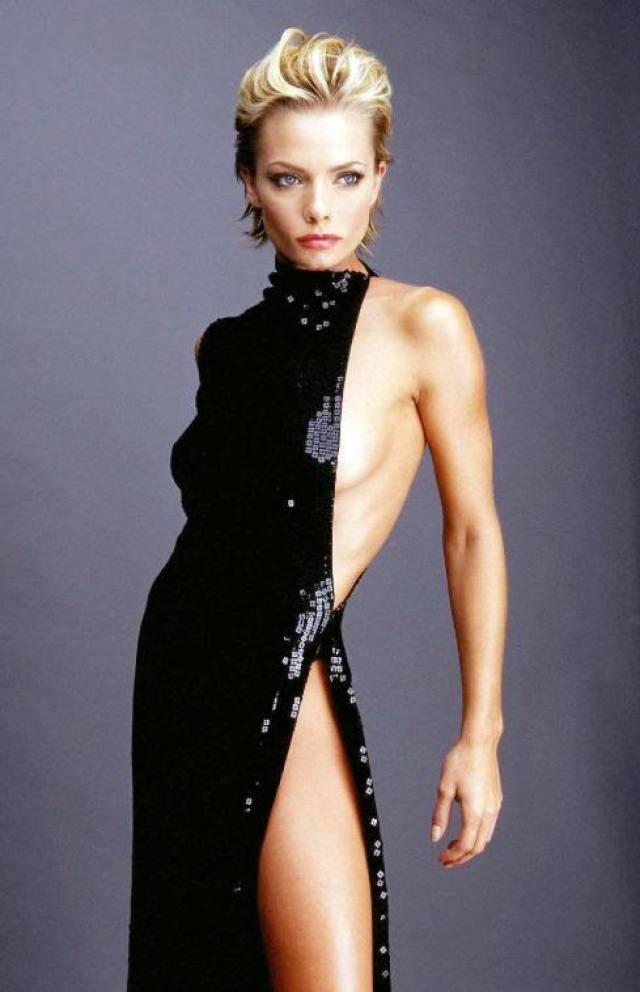 Jaime Pressly sexy look pictures (3)