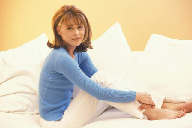 Jane Leeves hot look picture (2)