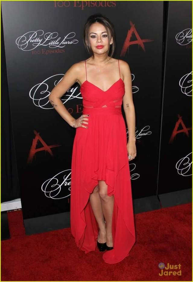 Janel Parrish cleavage pictures (2)