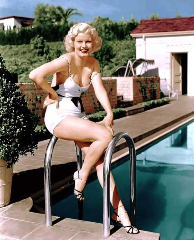 Jean Harlow hot thighs pic (2)
