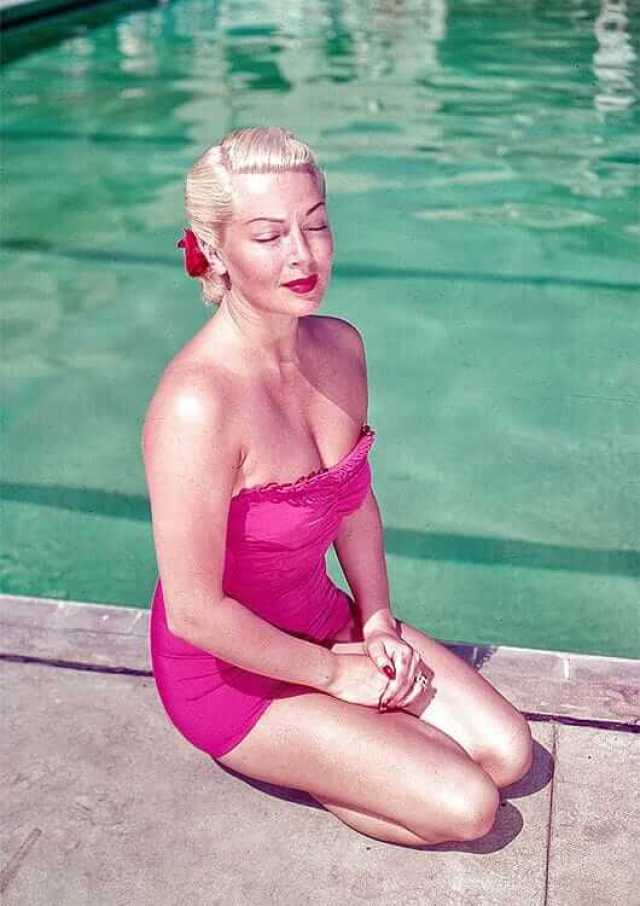 Lana Turner hot pictures (1)