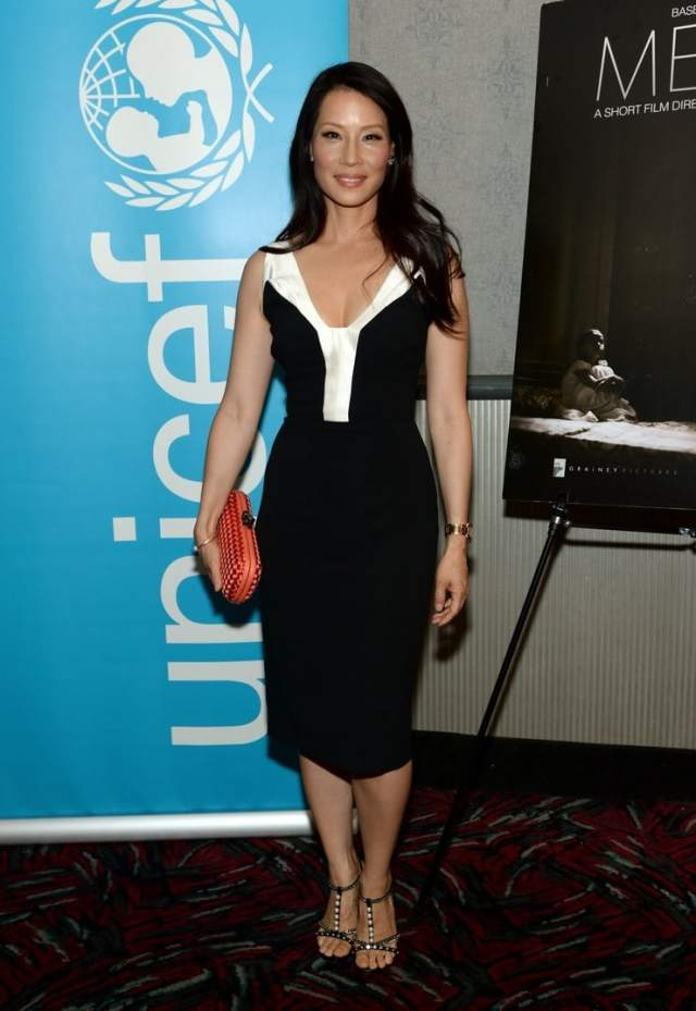 Lucy Liu sexy cleavage pictures