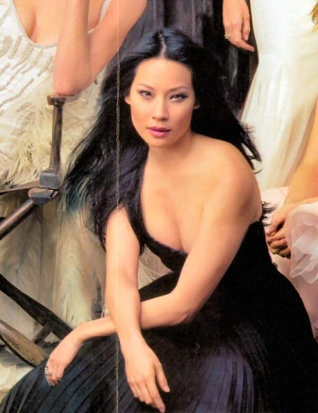 Lucy Liu sexy pictures (2)