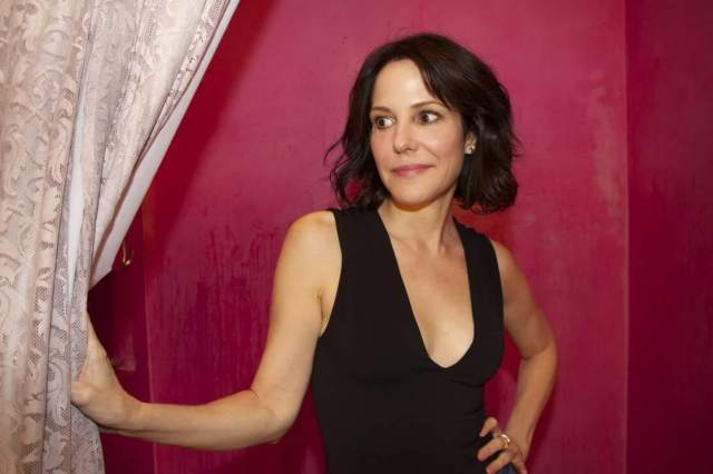 Mary-Louise Parker hot pic