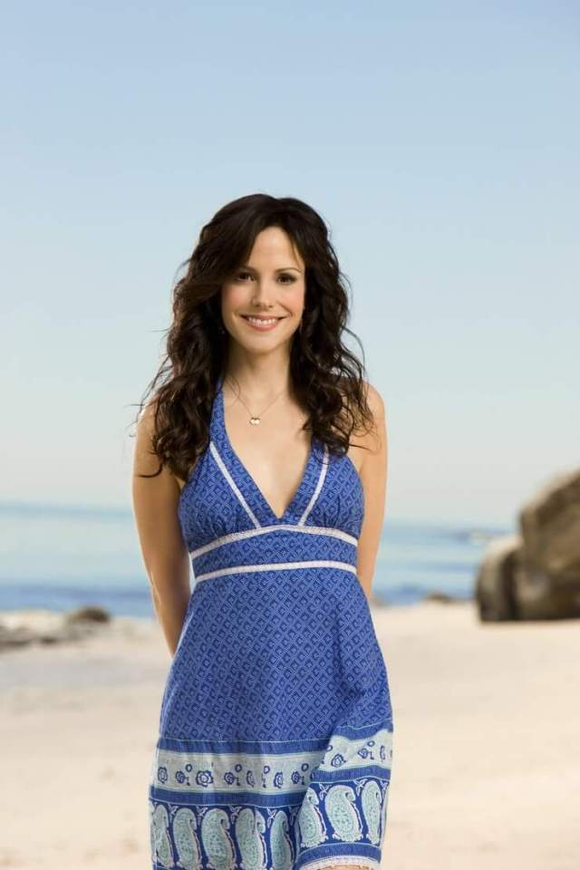 Mary-Louise Parker sexy blue dress