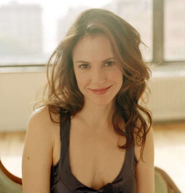 Mary-Louise Parker sexy hairs
