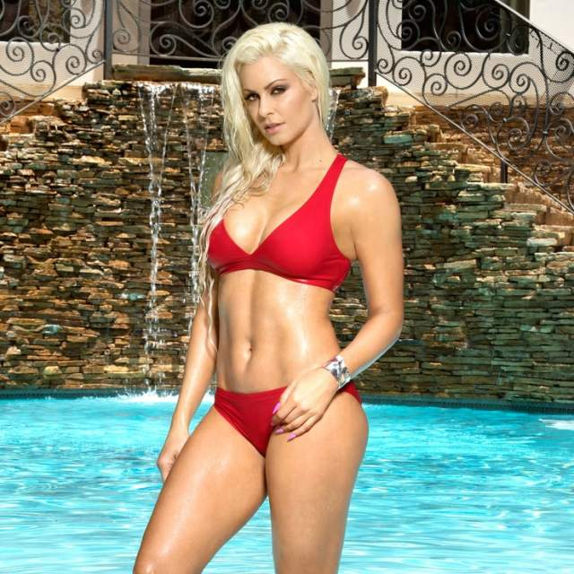 Maryse Ouellet awesome pic