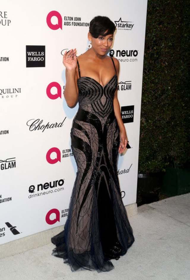 Meagan Good sexy cleavage (2)