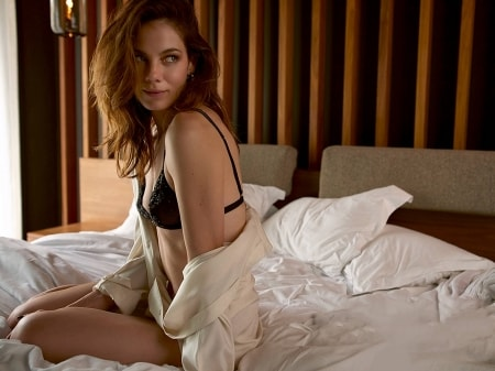 Michelle Monaghan hot side pic