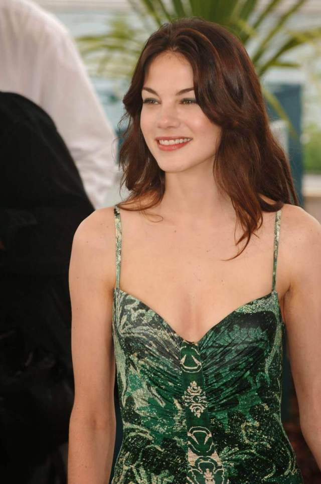Michelle Monaghan sexy busty pictures