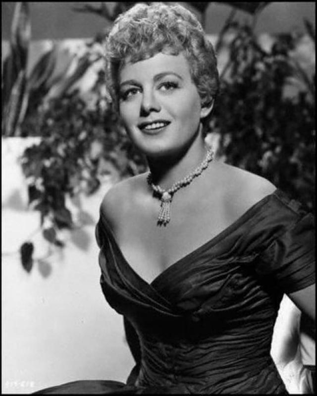 Shelley Winters hot cleavage pics (4)
