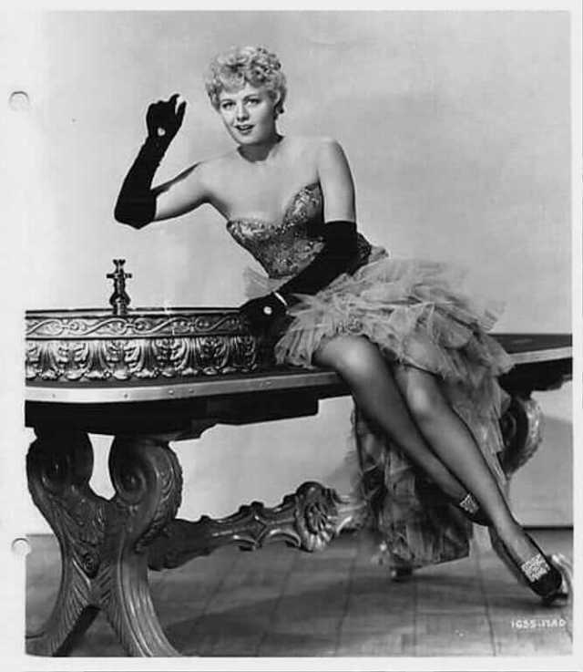 Shelley Winters hot pics (3)