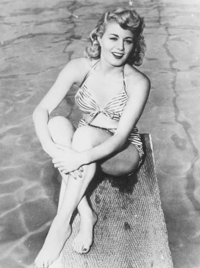 Shelley Winters hot thigh pics (3)