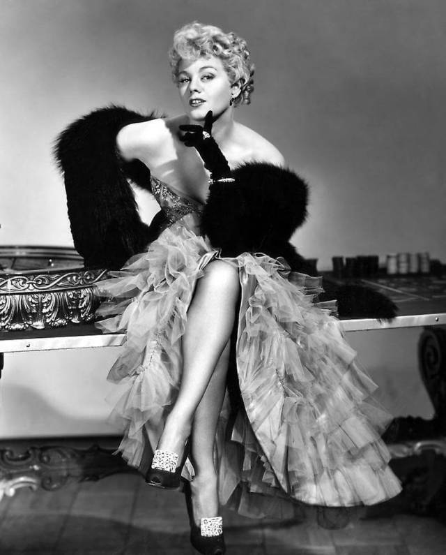 Shelley Winters sexy pictures (6)