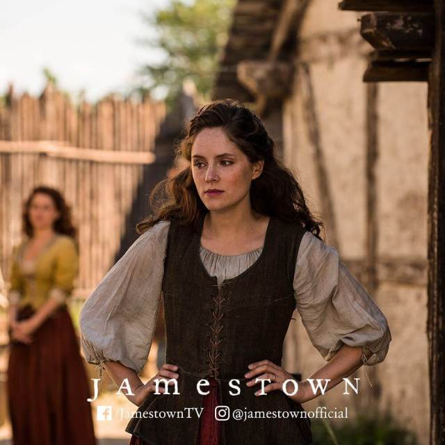 Sophie Rundle awesome look pic