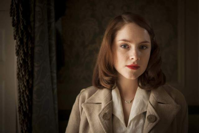 Sophie Rundle awesome look