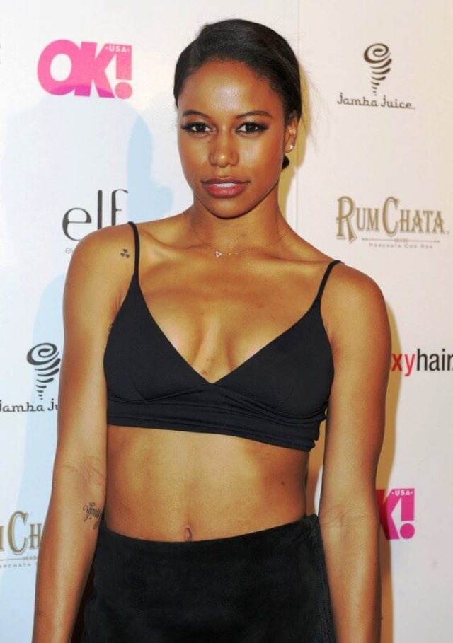 Taylour Paige sexy cleavage pics