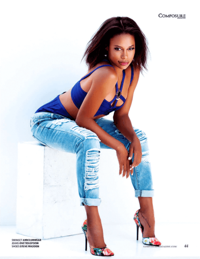 Taylour Paige sexy feet pic