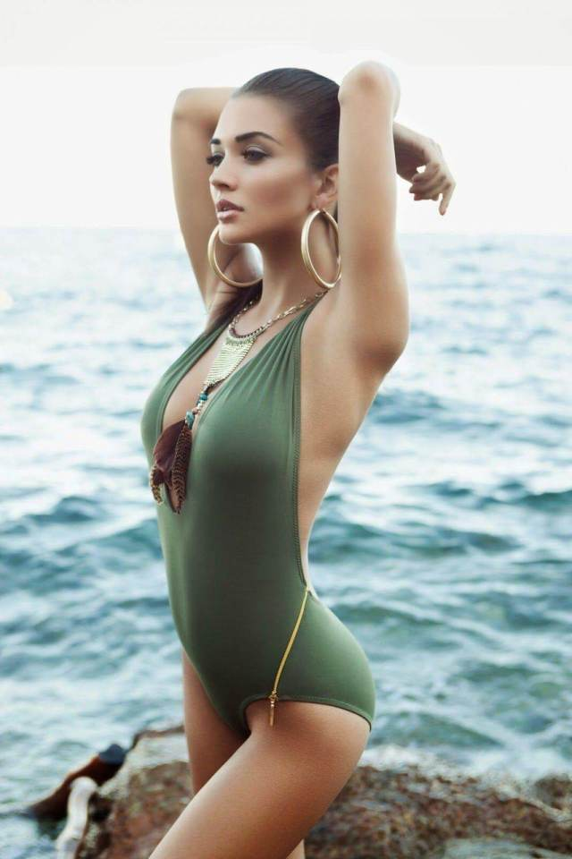 amy jackson sexy side look pic