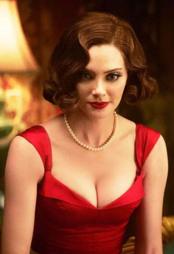 april bowlby hot boobs pictures (4)