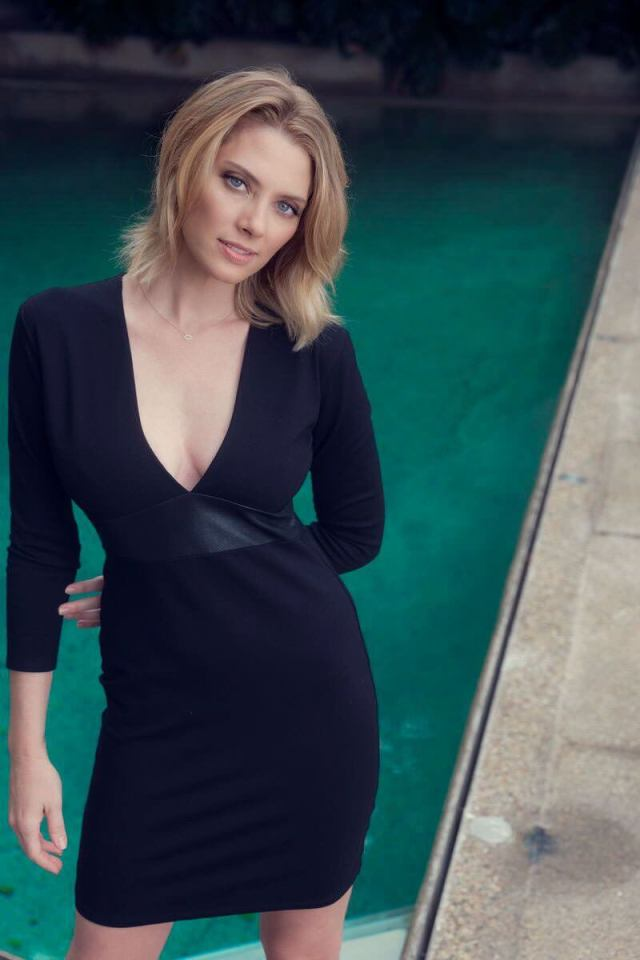 april bowlby hot boobs pictures (5)