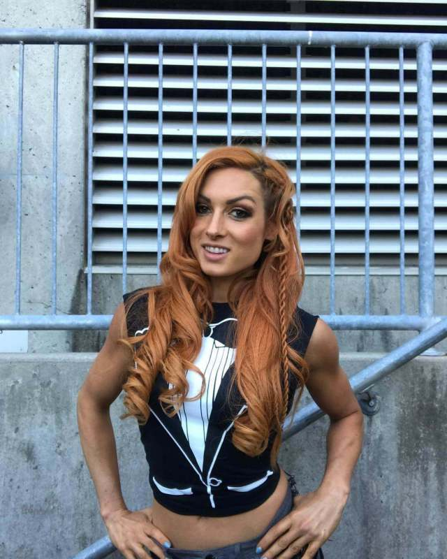 becky lynch awesome photo (2)