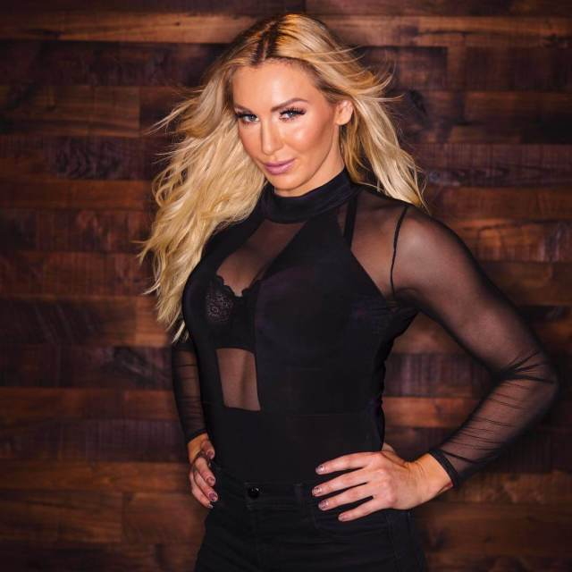 charlotte flair awesome photo (2)