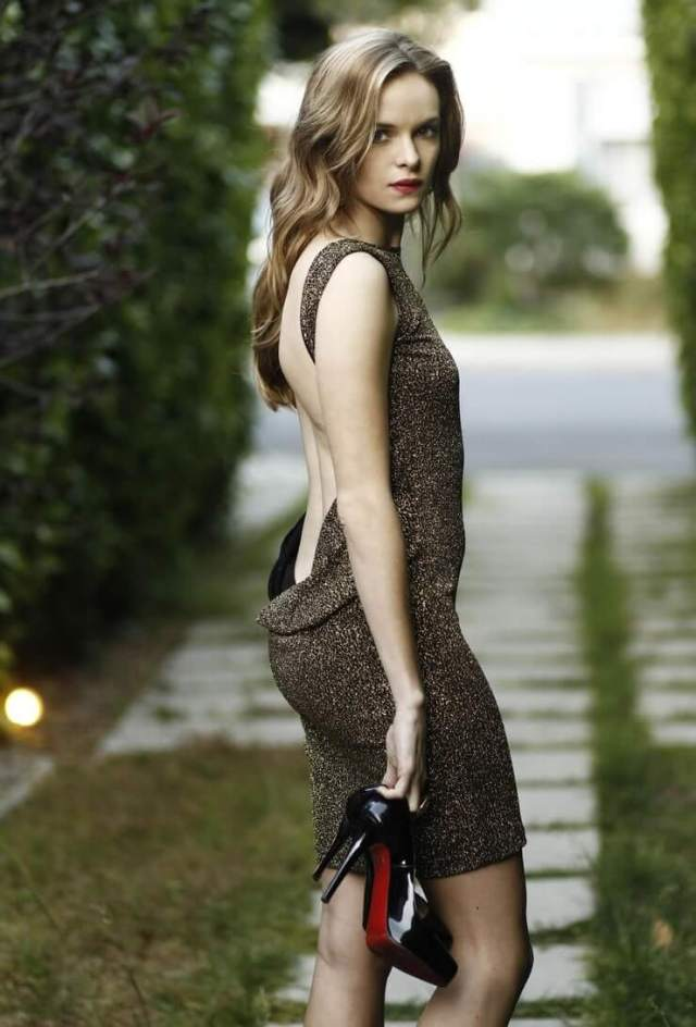 danielle panabaker big booty (3)