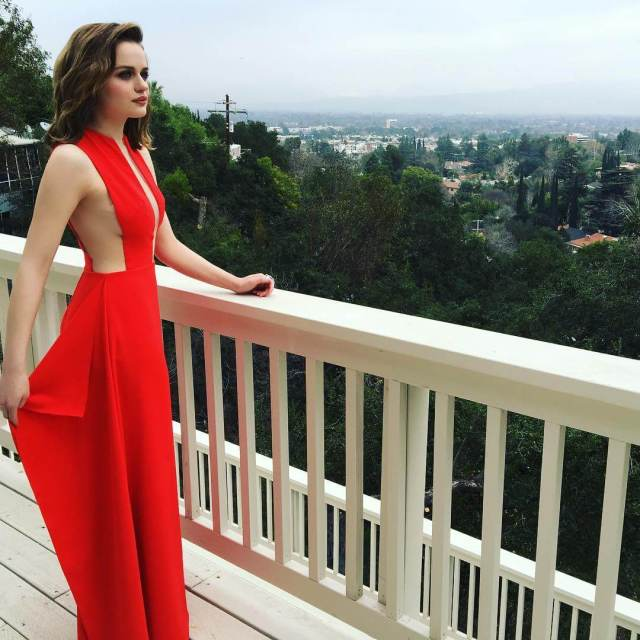 joey king sexy red dress pic