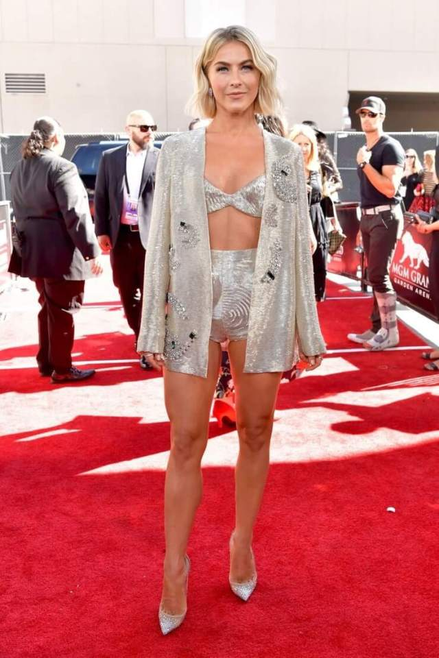 julianne-hough awesome pictures