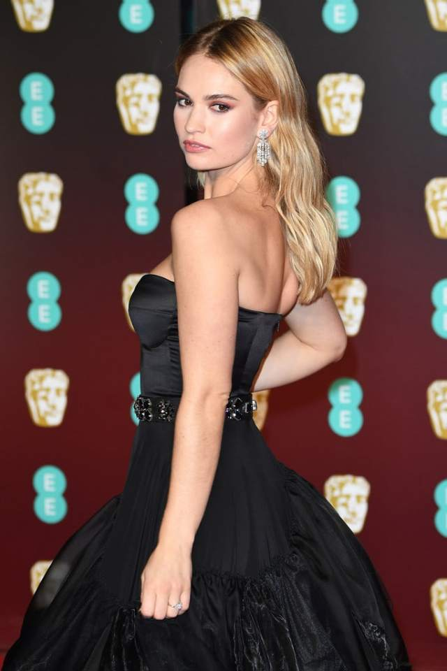 lily james booty pic