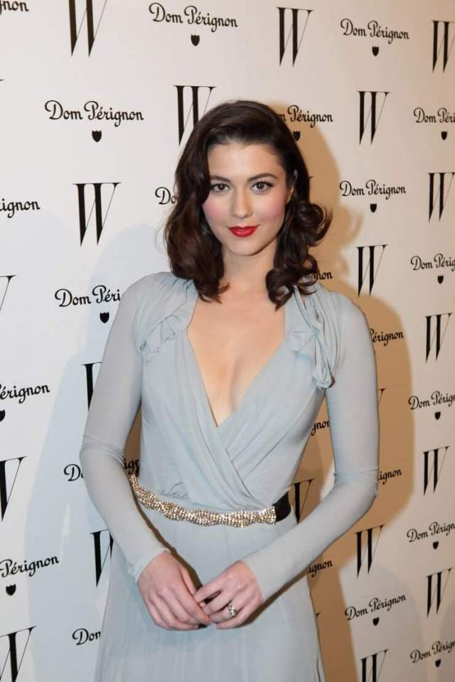 mary elizabeth winstead sexy cleavage pictures (5)