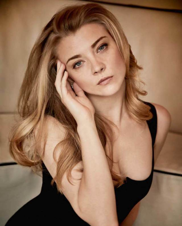 natalie dormer sexy cleavage pic