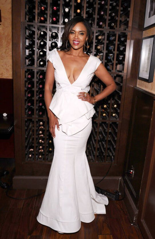 sharon leal awesome look pics (2)