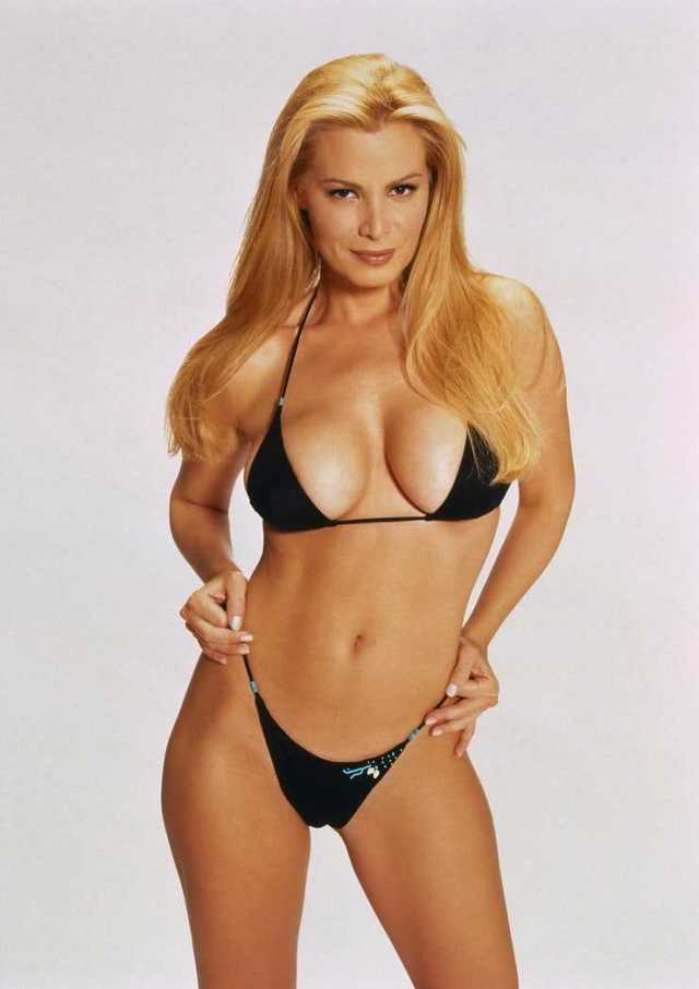 Cindy Margolis hot pictures