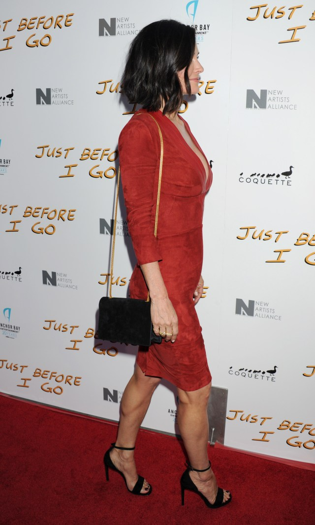 Courteney Cox sexy side pic
