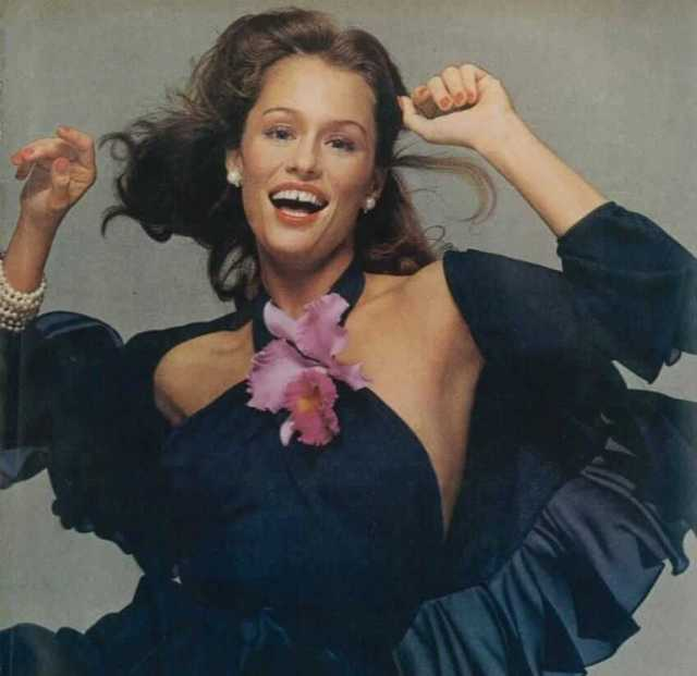Lauren Hutton awesome pic