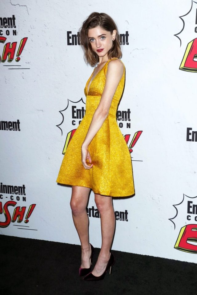 Natalia Dyer beautiful feet pictures (1)