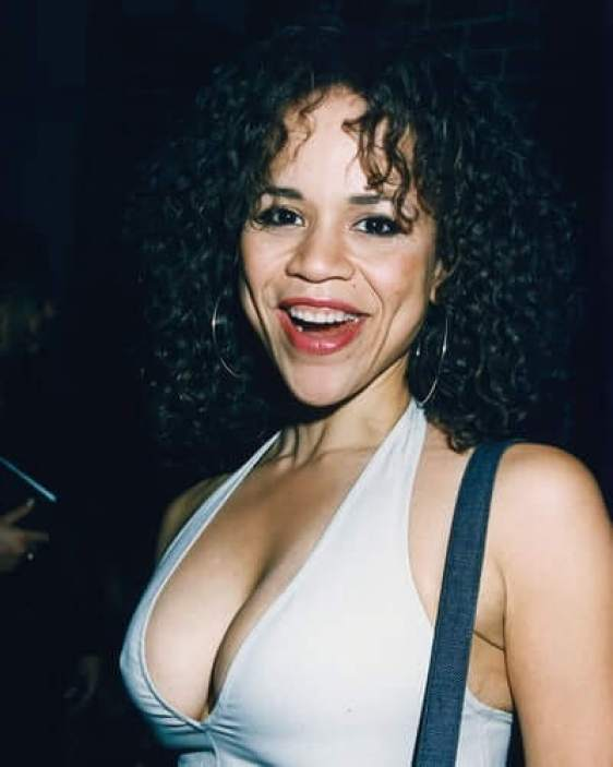 Rosie Perez sexy side boobs pics