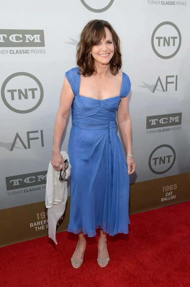 Sally Field sexy cleavage pics