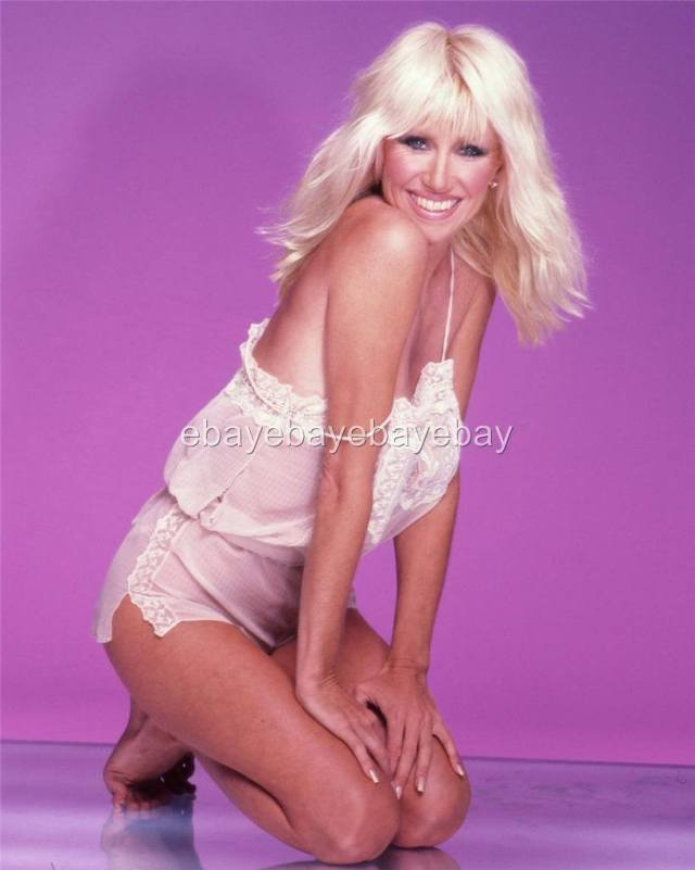Suzanne Somers cleavage hot